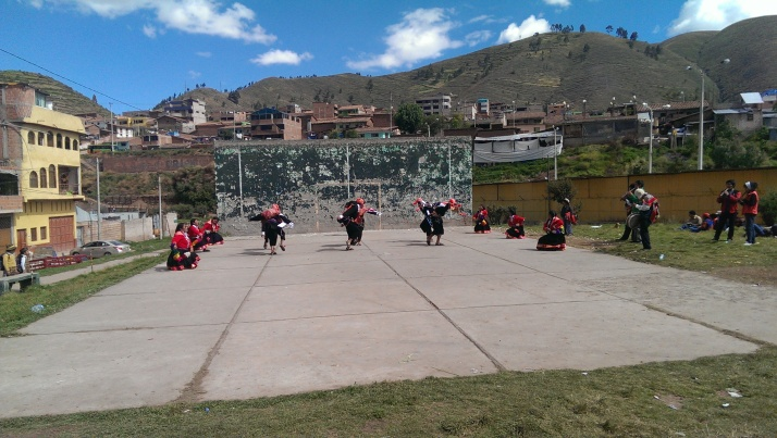 I ran into this group practicing traditional dance while I was in a more local part of town.  They keep traditions alive there!
